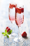 Cocktail del champagne della fragola Fotografia Stock