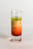 Cocktail dell'alcool su fondo bianco Immagini Stock