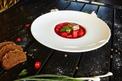 Cocktail delle bevande del dessert delle verdure della pasta delle verdure del piatto della squisitezza della carne dell'alimento fotografie stock