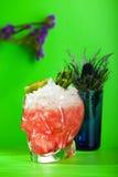 Cocktail dello zombie su fondo verde Fotografia Stock
