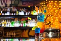 Cocktail deux exotique dans la barre Photographie stock libre de droits