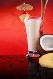 Cocktail di colada di Piña o smoothie della noce di cocco fotografia stock libera da diritti