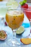 Cocktail di frutto della passione Immagini Stock