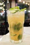 Cocktail di Mojito per vita notturna Fotografia Stock Libera da Diritti