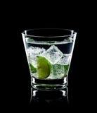 Cocktail di Mojito su priorità bassa nera Fotografia Stock