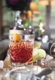 Cocktail di Negroni sulla tavola di legno Fotografia Stock Libera da Diritti