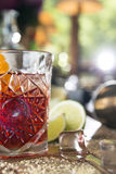 Cocktail di Negroni sulla tavola di legno Immagine Stock