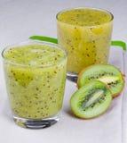 Cocktail di rinfresco del kiwi e della menta Fotografie Stock Libere da Diritti