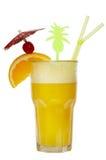 Cocktail die op wit wordt geïsoleerdn Stock Afbeeldingen