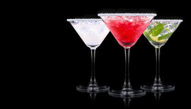 Cocktail do álcool ajustado em um preto foto de stock royalty free