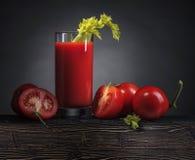 Cocktail do Bloody Mary decorado com um doente do aipo Imagens de Stock