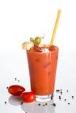 Cocktail do Bloody Mary em um fundo branco Foto de Stock