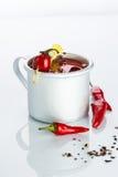 Cocktail do Bloody Mary no círculo do ferro em um branco Foto de Stock