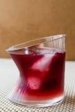 Cocktail do por do sol de Malibu com gelo fotografia de stock