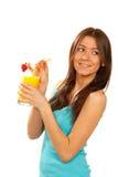 Cocktail do sumo de laranja da bebida da mulher Fotografia de Stock