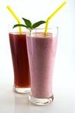 Cocktail e suco da morango com folhas de hortelã Foto de Stock Royalty Free