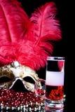 Cocktail et masque vénitien Photo stock