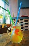 Cocktail fait maison de limonade fraise en bon état de chaux Image libre de droits