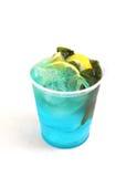 Cocktail freddo della menta fresca con il limone ed il ghiaccio Fotografie Stock