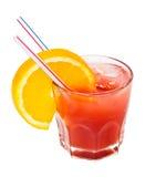 Cocktail glacial rouge d'isolement sur le blanc Photographie stock libre de droits