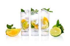 Cocktail in glazen Stock Afbeeldingen