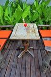 Cocktail im Garten Stockfotografie