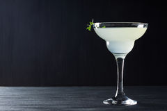 Cocktail im Margaritaglas Lizenzfreie Stockfotos