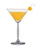 Cocktail jaune de martini d'isolement sur le fond blanc Image libre de droits