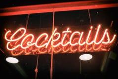Cocktail-Leuchtreklame-Weinlese Lizenzfreies Stockfoto