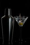 Cocktail met een schudbeker Royalty-vrije Stock Foto