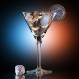 Cocktail Metaphoric do negócio criado fora das moedas do Euro fotografia de stock