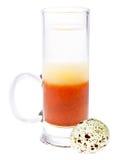 Cocktail mit einem Wachtelei Lizenzfreie Stockfotos