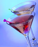 Cocktail mit Olive Lizenzfreies Stockfoto