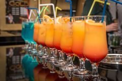 Cocktail na barra Fotos de Stock