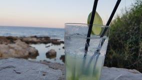Cocktail na praia Imagem de Stock