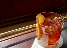 Cocktail nas rochas imagens de stock royalty free