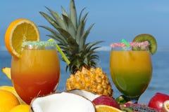 Cocktail op het strand Stock Foto