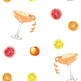 Cocktail pattern with citruses. Hand drawn watercolor seamless pattern summer fresh cocktails and citruses. Isolated on the white background Stock Illustration