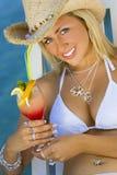Cocktail pelo mar Imagens de Stock Royalty Free