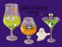 Cocktail per Halloween, cocktail verde di Halloween, cocktail con gli occhi Fotografia Stock Libera da Diritti