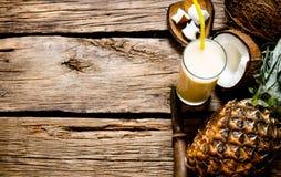 Cocktail Pina-colada lizenzfreie stockfotos