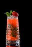 Cocktail su una priorità bassa nera Fotografia Stock Libera da Diritti