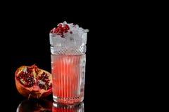 Cocktail su una priorità bassa nera Immagini Stock Libere da Diritti