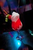Cocktail tropical rouge Image libre de droits