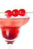 Cocktail tropical rouge avec la cerise Photos stock