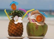 Cocktail tropicali Immagini Stock