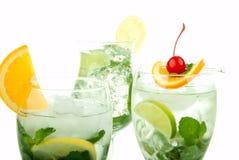 Cocktail tropicali di Mojito Fotografie Stock Libere da Diritti