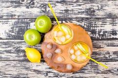 Cocktail van appel en een citroen Stock Fotografie