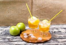 Cocktail van appel en een citroen Stock Afbeeldingen