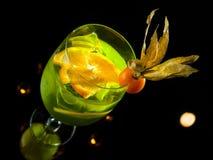 Cocktail verde su fondo nero Fotografia Stock